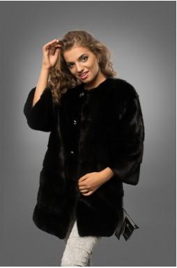 Шуба из меха норки черного цвета в сложной и интересной подборке.