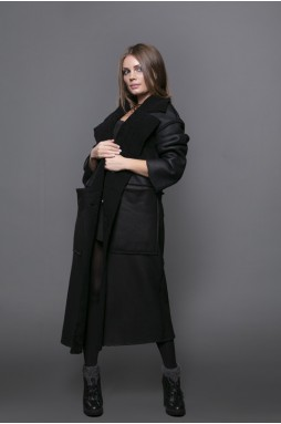 Пальто чёрного цвета