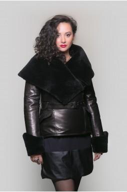 Эффектная женская кожаная куртка