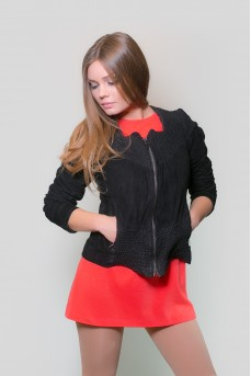 Очень эффектная женская куртка
