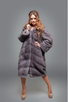 Норковое пальто с капюшоном - цвет сапфир
