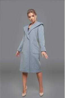 Шерстяное пальто с капюшоном серого цвета