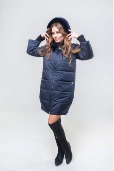 Удлиненная куртка темно - синего цвета