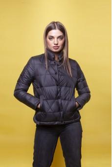 Стильная куртка чёрного цвета