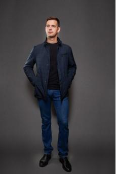 Фирменная куртка синего цвета
