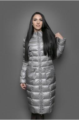 Женское текстильное приталенное пальто с капюшоном на натуральном пуху.