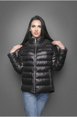 """Современная  стильная куртка силуэта """"оверсайз"""" черного цвета."""
