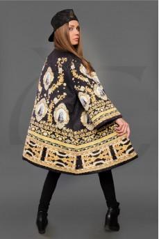 Легкое тканевое пальто с ярким принтом