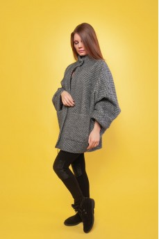 Короткое шерстяное пальто серого цвета