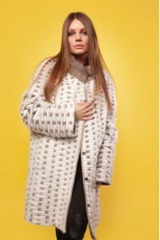 Двухстороннее пальто из меха норки в роспуске