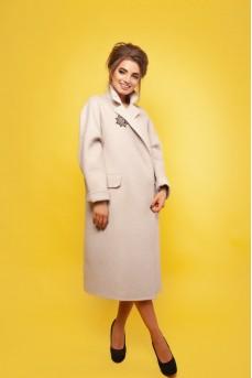 Эксклюзивное пальто бежевого цвета