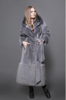 Удлинённое пальто из меха овчины