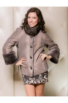 Женская замшевая куртка цвета антрацит