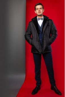 Стильная куртка с капюшоном