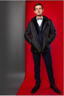 Стильная куртка тёмно-синего цвета с капюшоном.