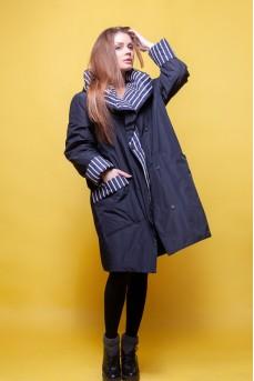 Стильная удлиненная куртка