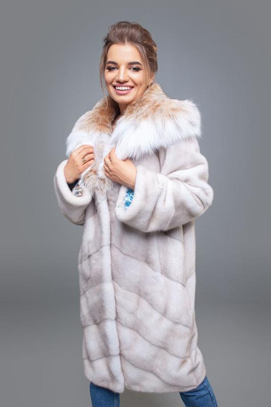 Роскошная норковая шуба с капюшоном из меха рыси - цвет натуральный лёд